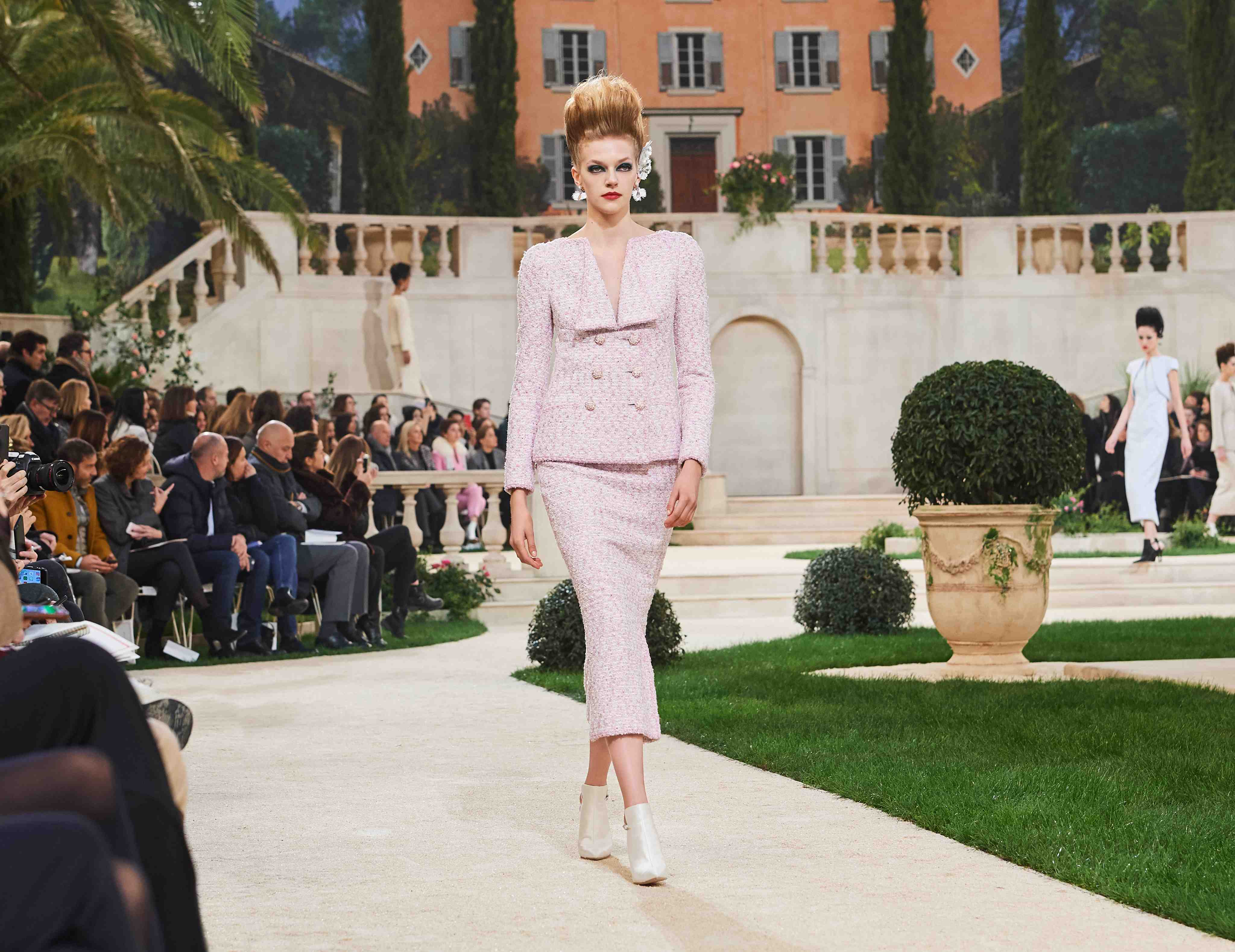 Chanel SS19 Haute Couture pale pink pastel suit