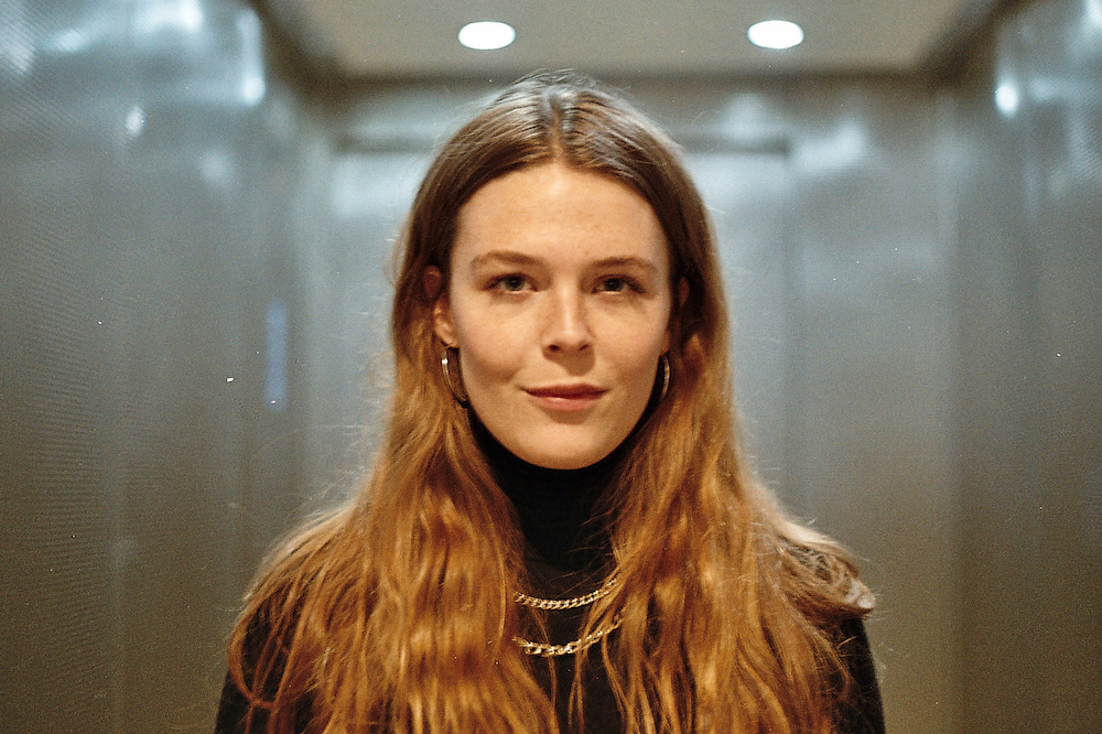 Backstage With Maggie Rogers Wonderland Magazine