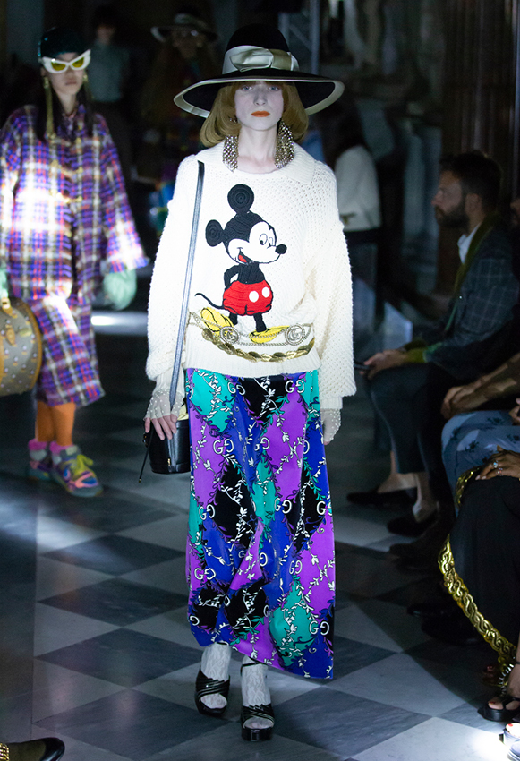 gucci cruise 2020 mickey mouse jumper