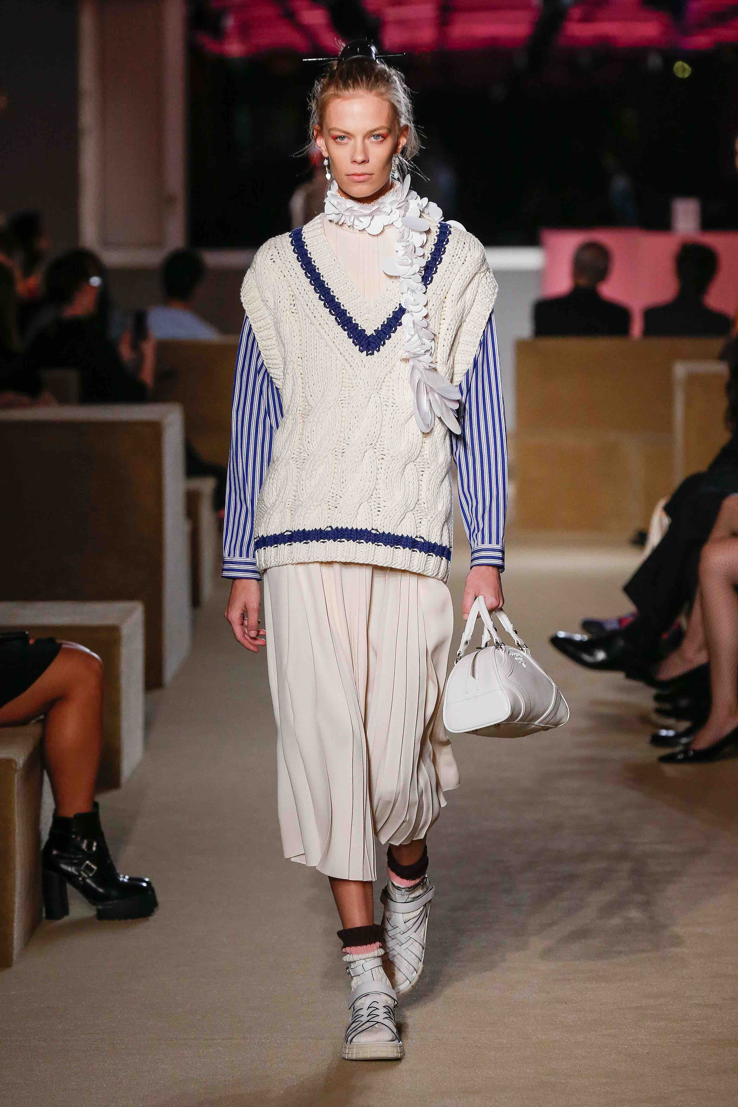 prada resort 2020 cream knit