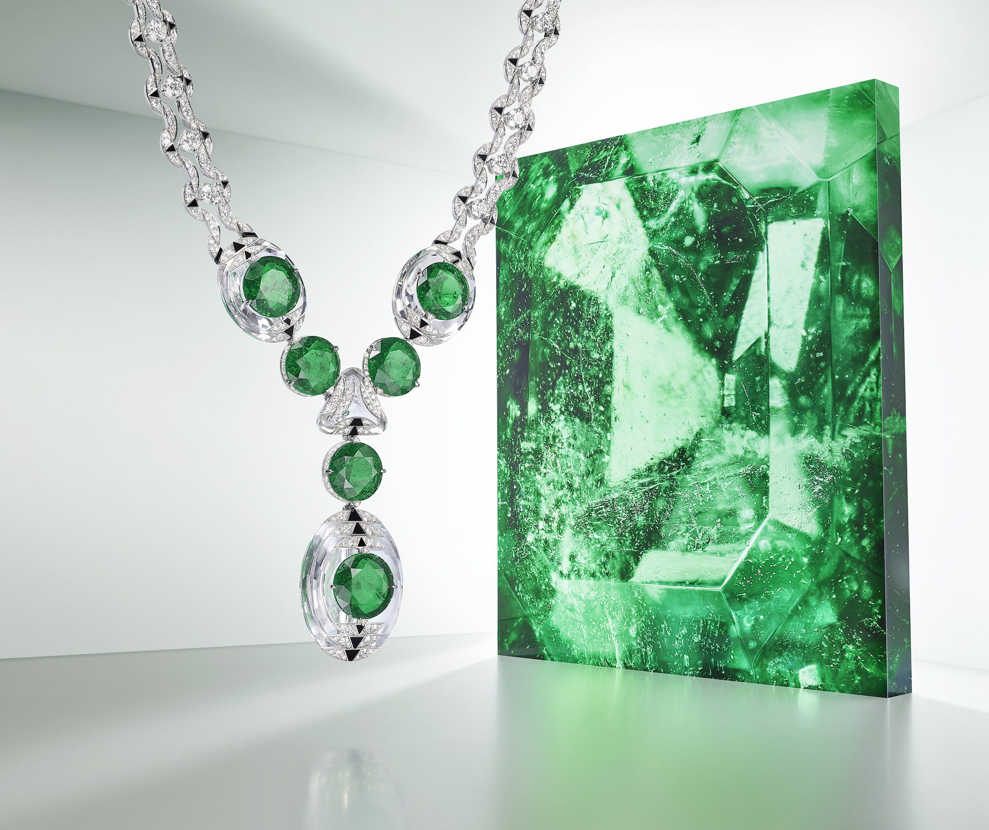 Cartier Magnitude high jewellery collection emerald necklace press shot
