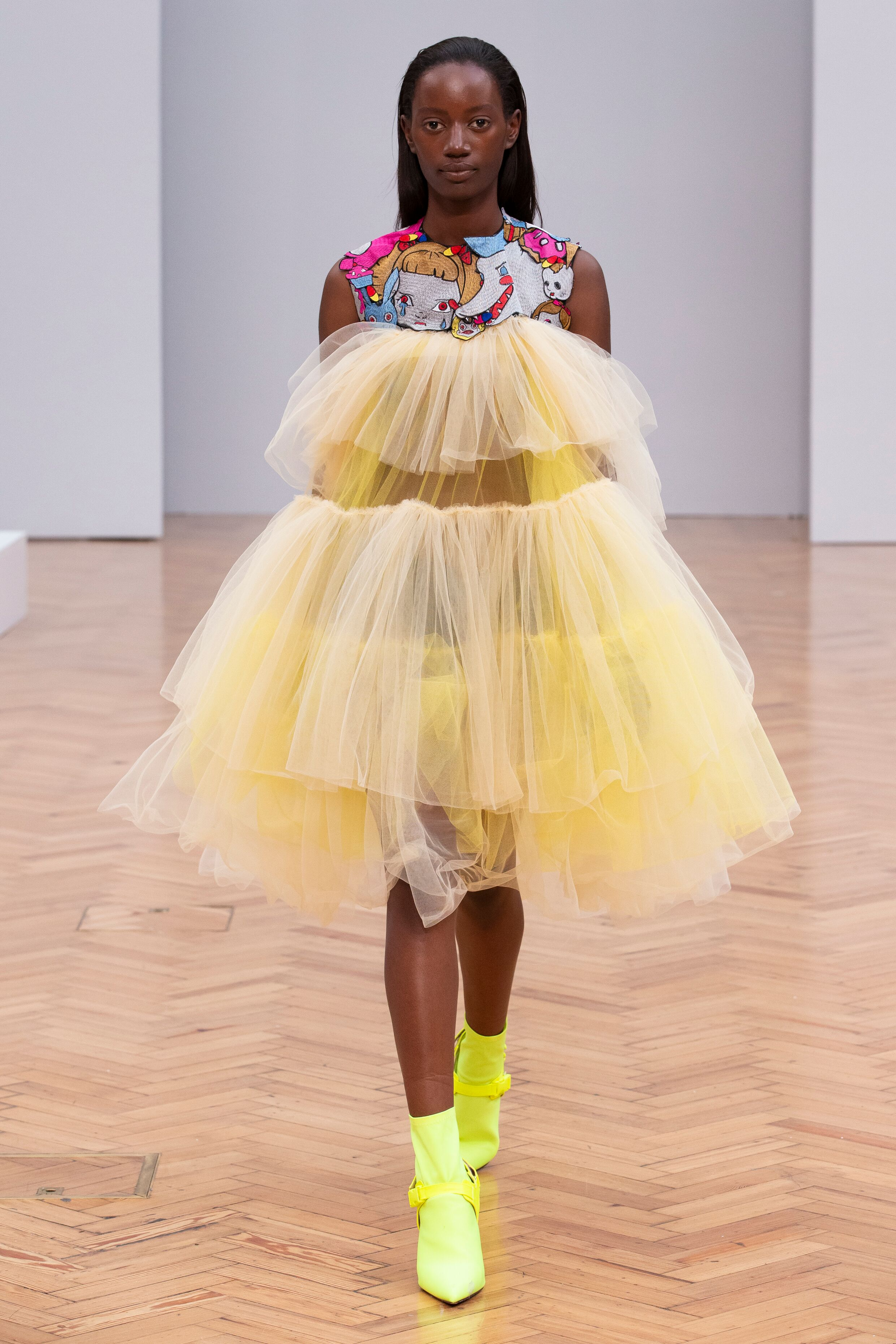 yellow tulle dress Istituto Marangoni new era fashion show