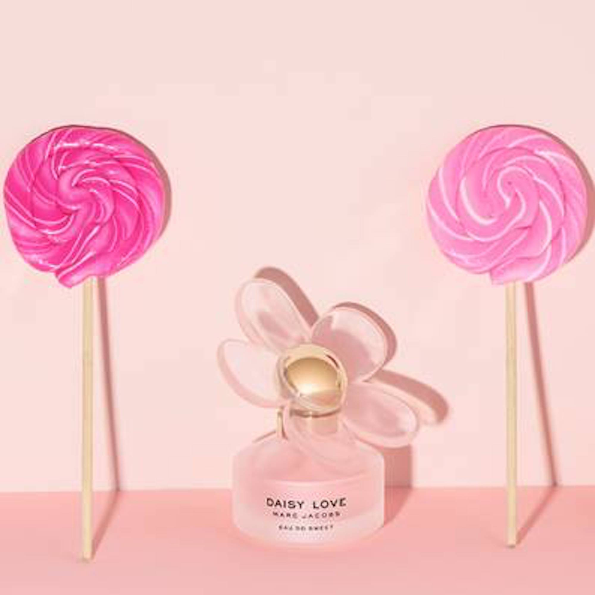 Wonderland event marc jacobs daisy love eau so sweet lollipops