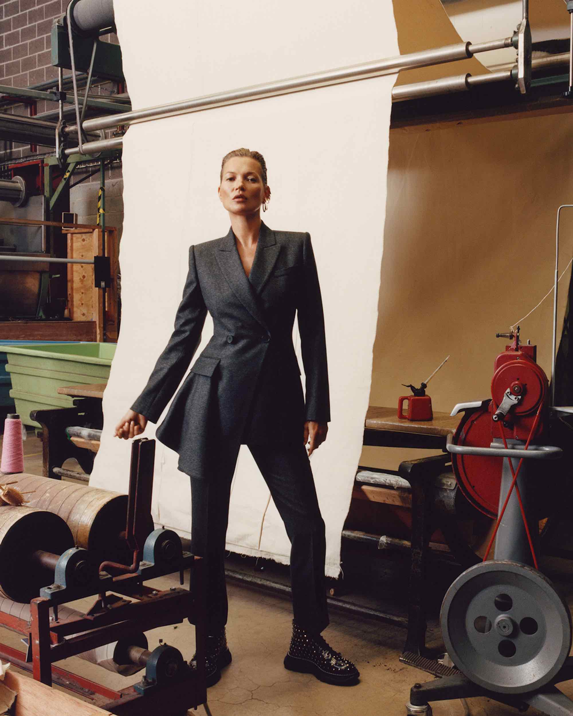 Kate moss Alexander McQueen Jamie Hawkesworth AW19 campaign