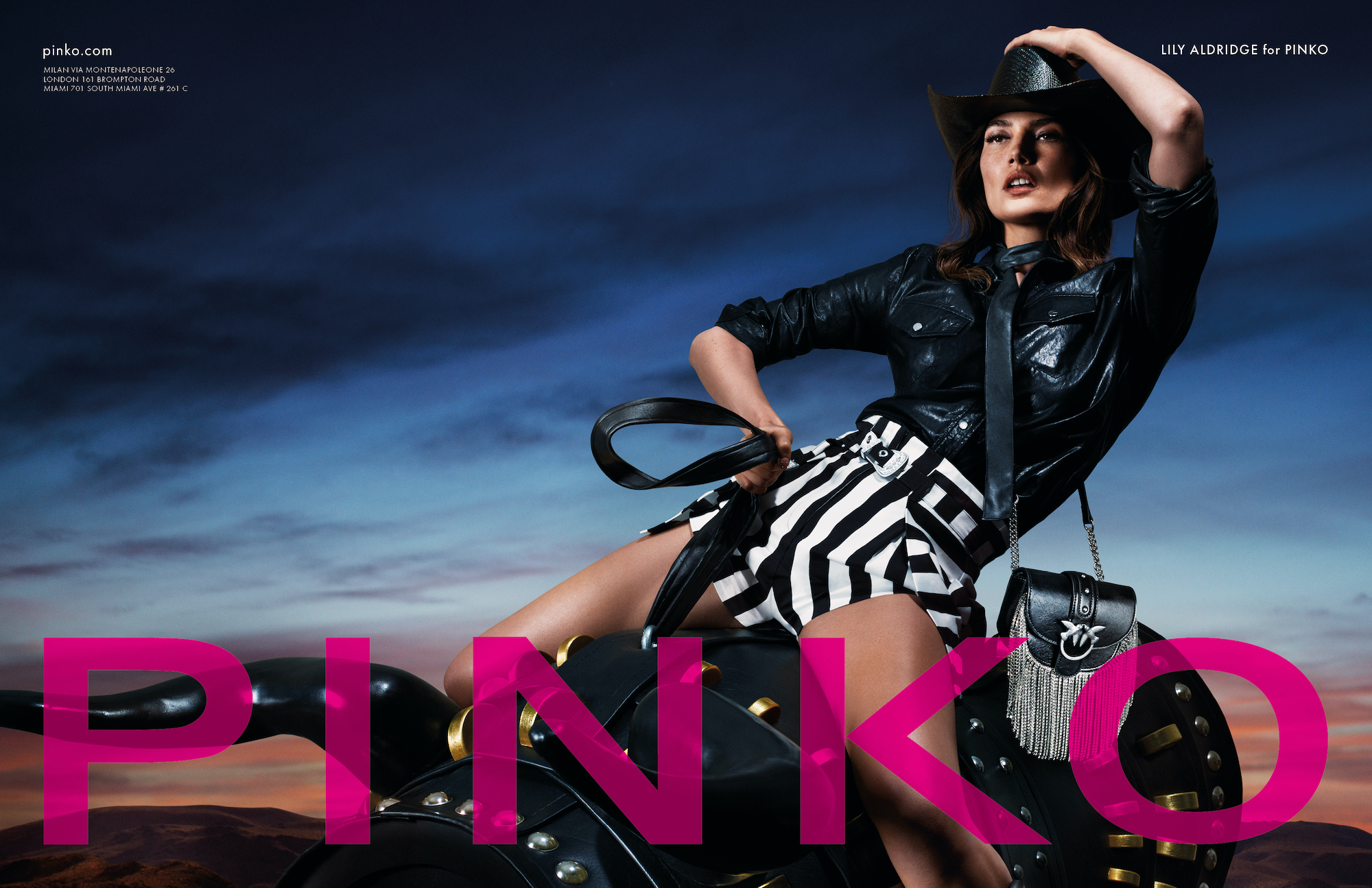 Pink Lily Aldridge Country SS20 Black