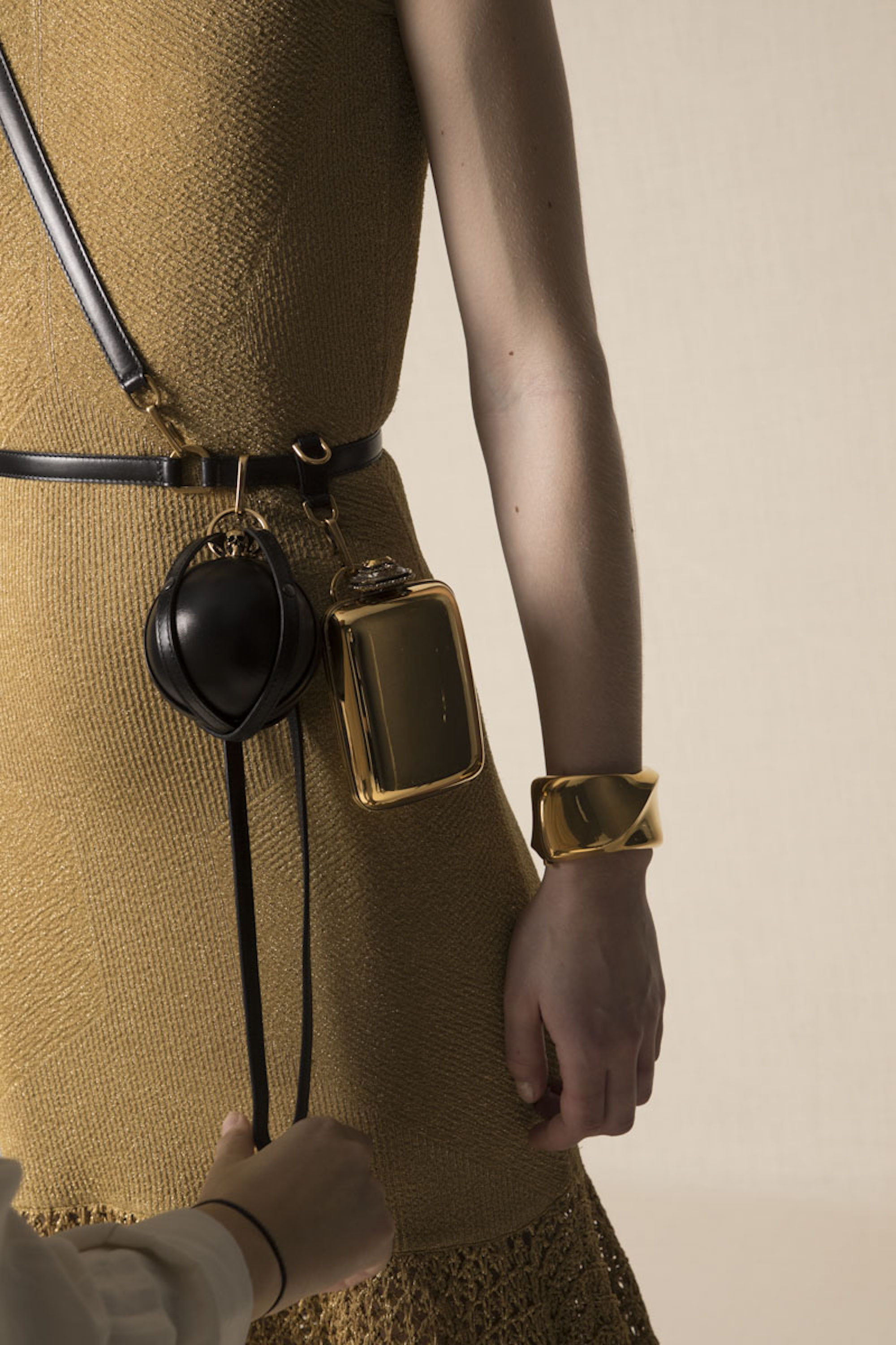 Alexander McQueen AW20 Pre Fall Accessories Bag Harness