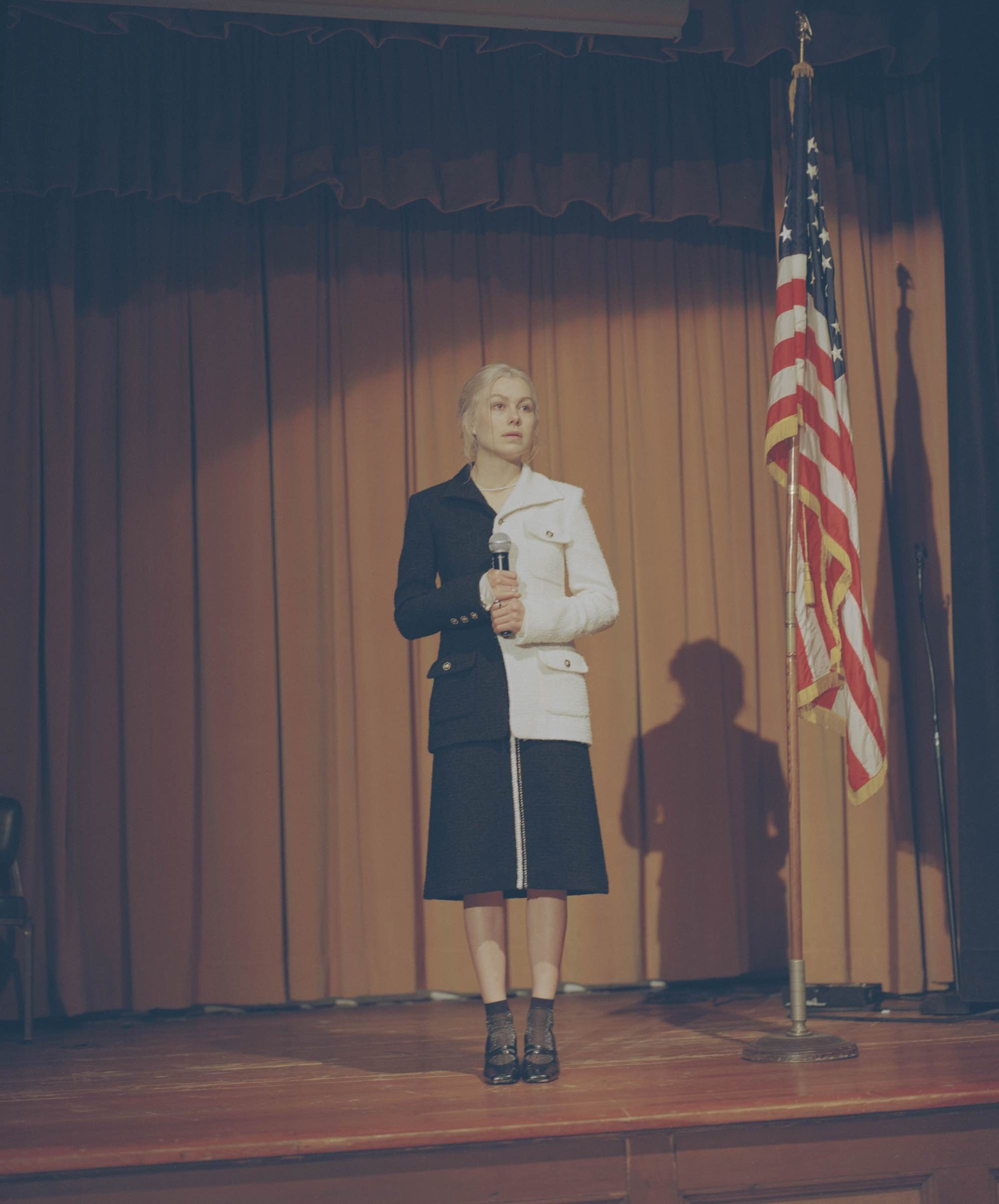 Phoebe bridgers in black and white suit