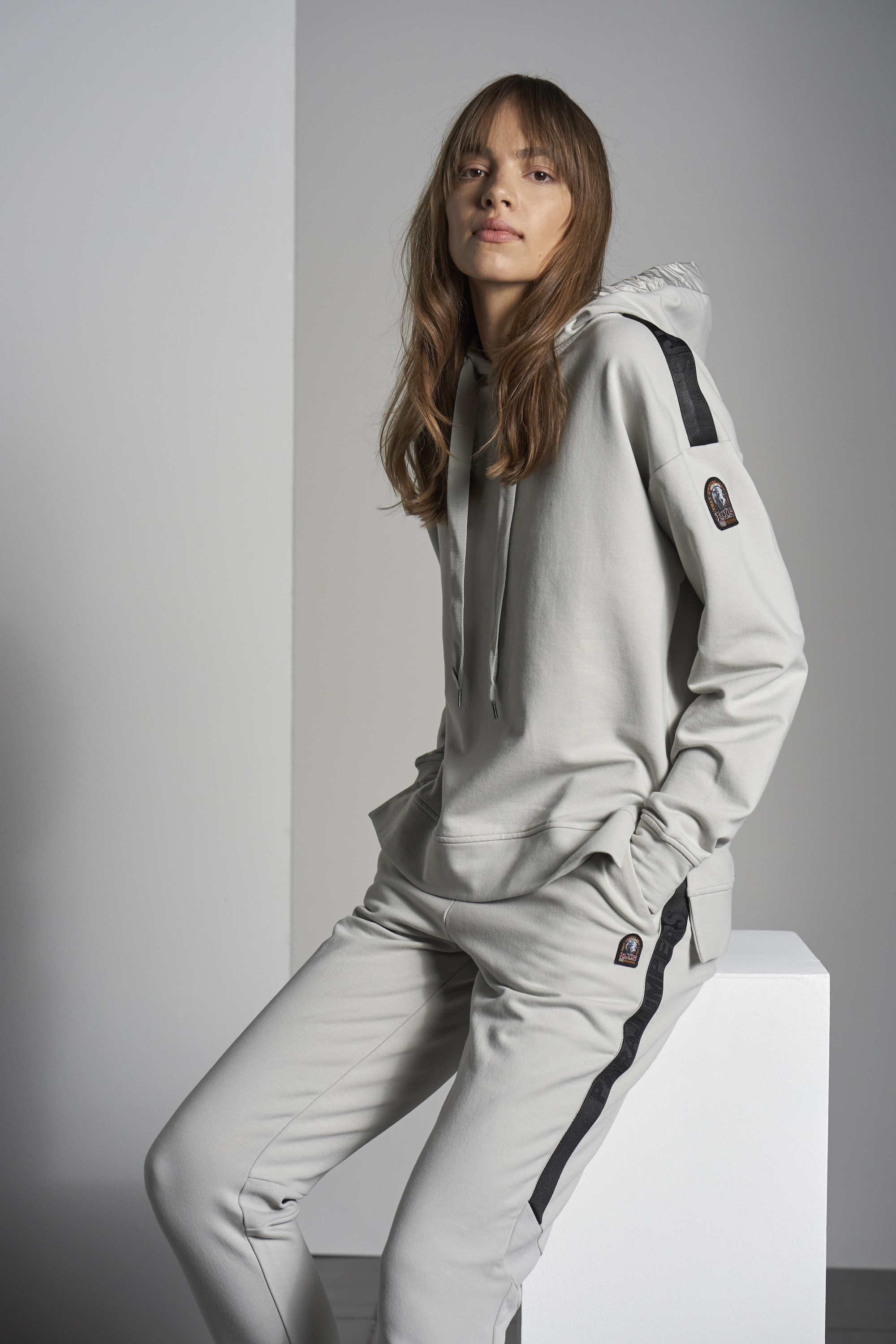 parajumpers grey tracksuit