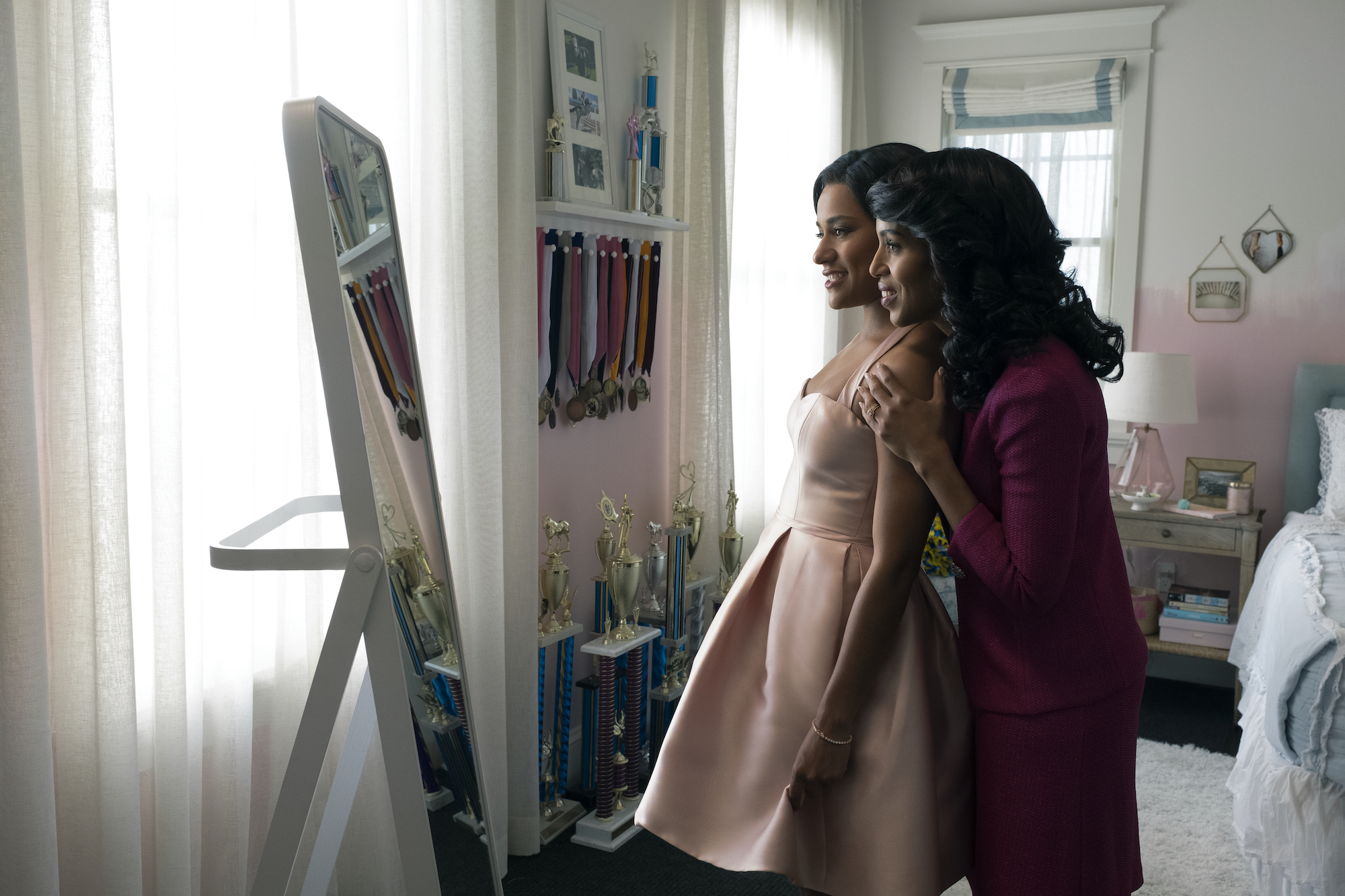 The Prom ARIANA DEBOSE as ALYSSA GREENE, KERRY WASHINGTON as MRS. GREENE in THE PROM