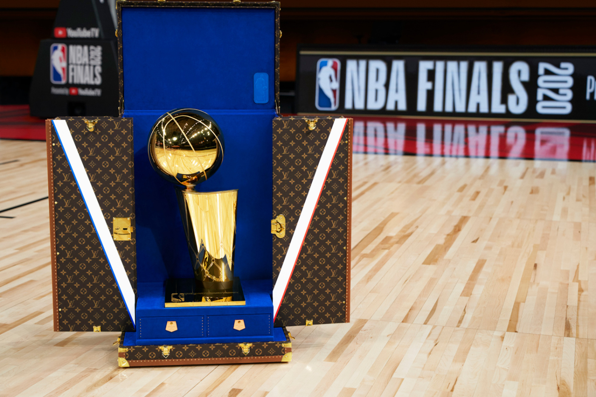 LVxNBA Trophy Travel Case