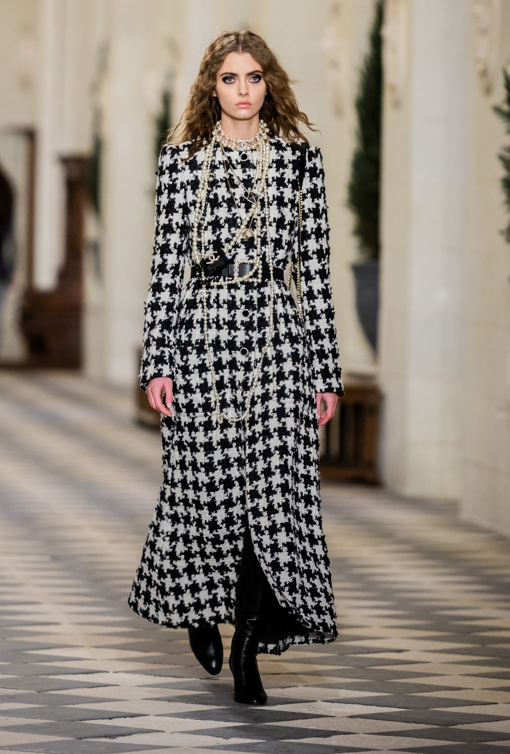 Chanel Métiers D'Art houndstooth dress