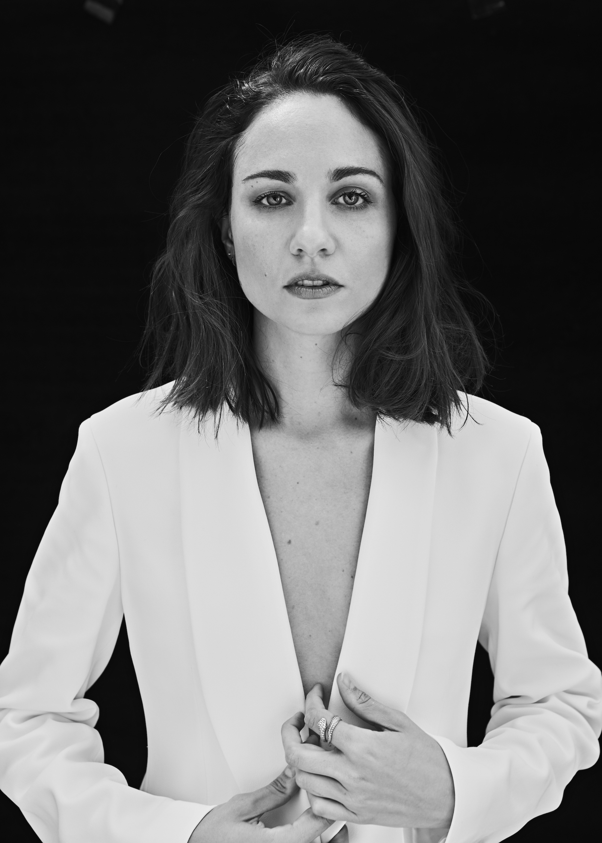Interview with Mank star Tuppence Middleton on David Fincher white suit