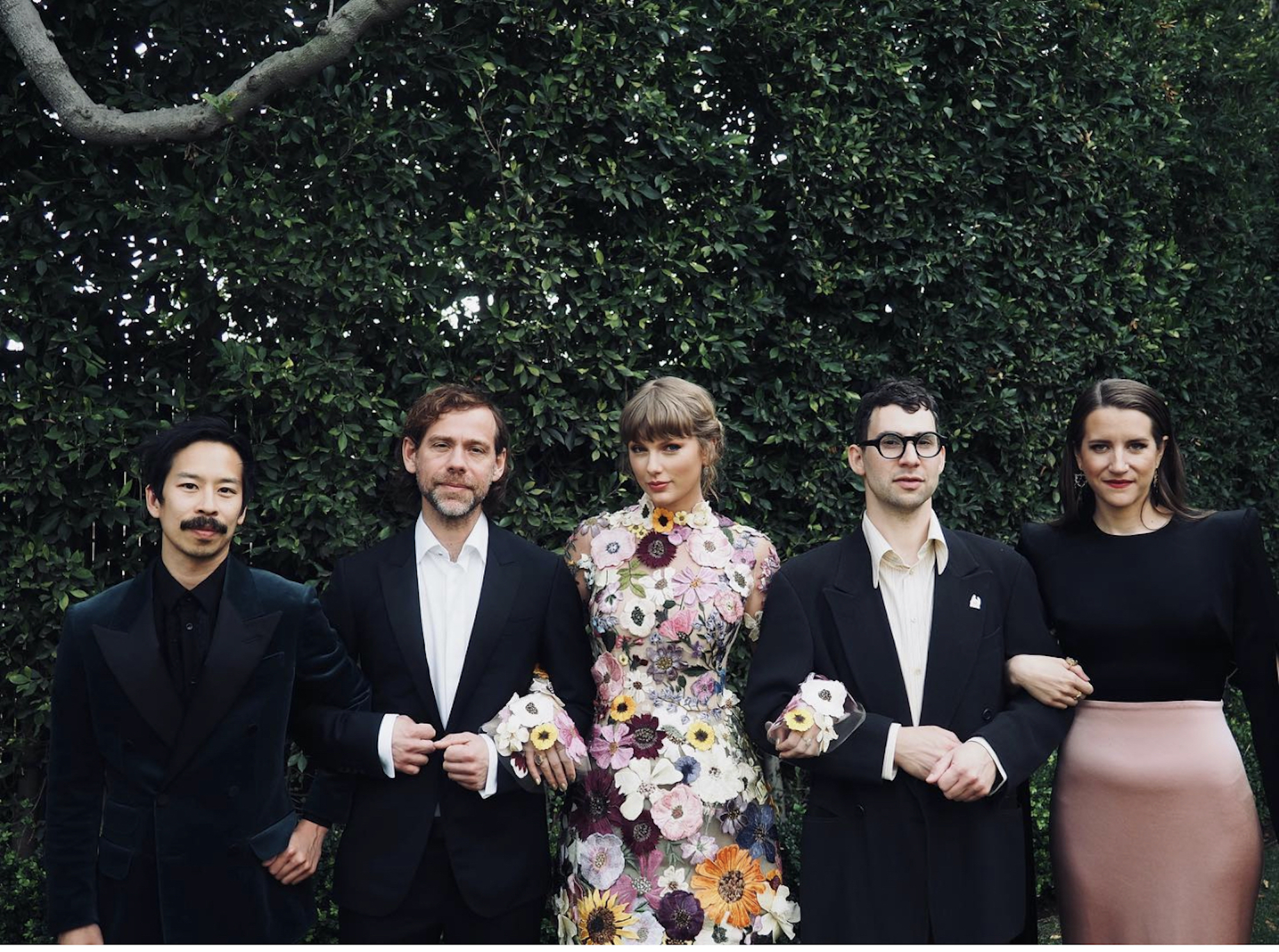 Taylor Swift with team Grammys 2021